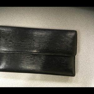 Authentic LOUIS VUITTON black Epi Trifold Wallet